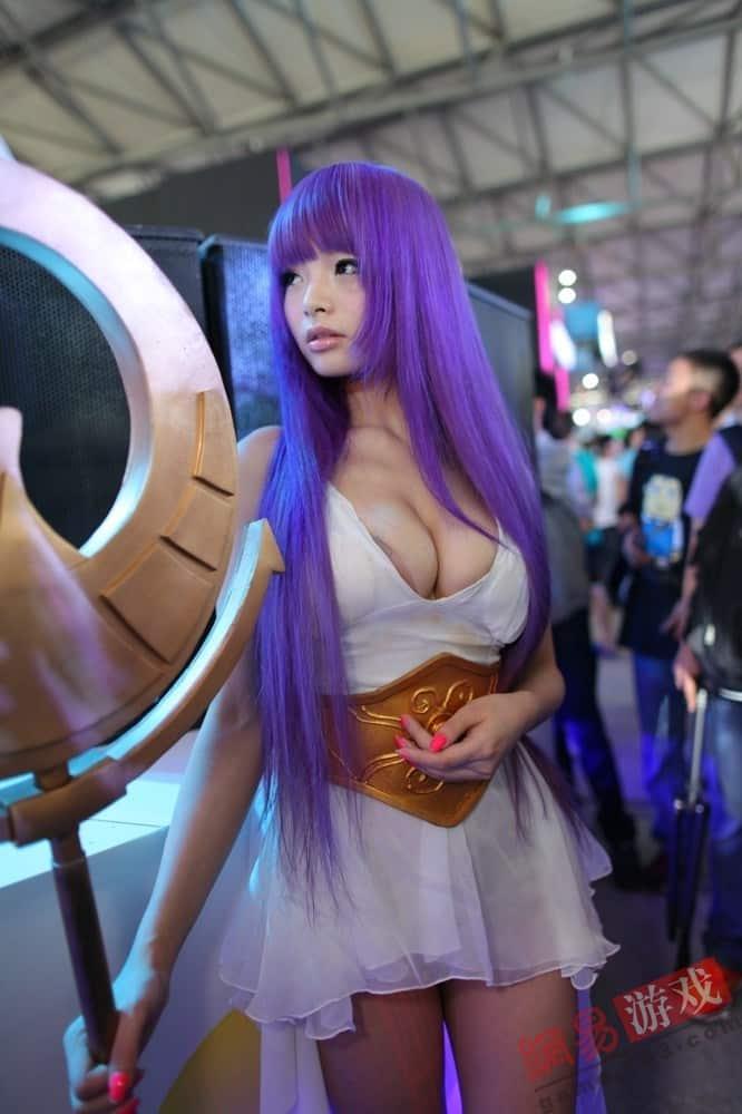 Saori-Kido-sexy-cosplay