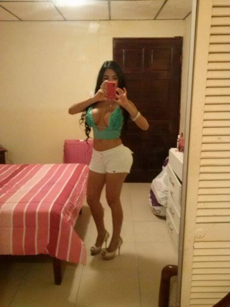 Facebook_sexy_girl_14